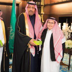 أمير الباحة يستقبل ويكافىء  40 طالباً وطالبة متفوقين على مستوى المملكة