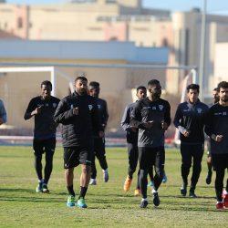 الخليج يجدد عقد كابتن الفريق علي الشعلة والشمري يعلن عن برنامج الإعداد قبل مواجهة الشباب