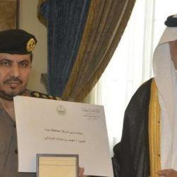 أمير مكة يكرم مدير شرطة جدة وفريق العمل الذي أطاح بوافدين تحرشوا بفتيات