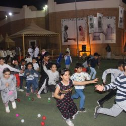 120 طالبا شاركوا في دورات تدريبية وخيمة تجمع كبار السن في أحياء الخبر
