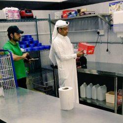 الاستاذ محمدالزهراني يتلقى التهاني لحصوله على درجة البكالوريوس من جامعة الملك سعود