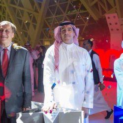 أمير الباحة يلتقي رئيس الطيران المدني .. وتدارس توسعة مطار المنطقة
