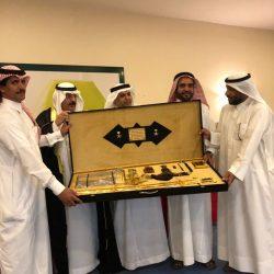 العبدالكريم يكرم مدير تعليم محافظة الحناكية ومشرف ارتقاء