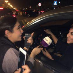 (إشراق لايف) تنقل اللحظات الأولى لقيادة المرأة للسيارة رسمياً .. ومرور جدة يقدم مبادرات جميلة داعمة
