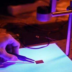 """""""سامسونج"""" تُطور شاشة مرنة وغير قابلة للكسر لجوالاتها ومنتجات أخرى"""