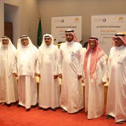 """الجاسر تفقد صالة الحجاج  .. و""""السعودية"""" تستهدف نقل أكثر من (1,1) مليون حاج"""