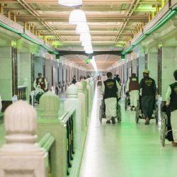 أمانة العاصمة المقدسة تركب ٦٠٠ لوحة للسلامة المرورية في مكة المكرمة