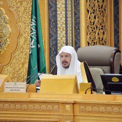نائب أمير مكة المكرمة يزور مقر رئاسة شؤون الحرمين