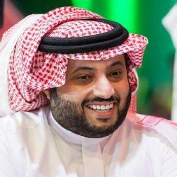 """""""عموري"""" يصل الرياض والجهاز الفني واللاعبون في استقباله بالنادي"""