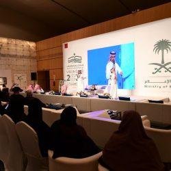 الأمير عبدالعزيز بن سطام يزور معرض الرياض الدولي للكتاب
