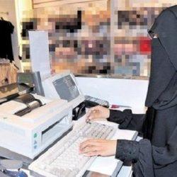 طفلتان مكفوفتان تستوقفان وكيل إمارة مكة ومدير التعليم وتقدمان حوارا تفاعليا أمامهما