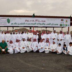 محافظ ظفار يستقبل رئيس المنظمة العربية للسياحة خلال احتفالات صلالة