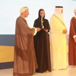 السفير د .حازم رمضان يكرم الإعلامي نزار العلي