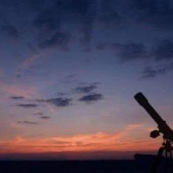 الفلكي الشمري: رؤية هلال شوال اليوم من أي مكان بالأرض مستحيلة.. ومشكلة ستحدث يوم العيد