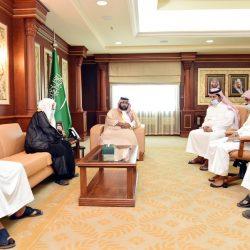 رئيس بلدية أبوعريش يستقبل رئيس وأعضاء نادي اليرموك الرياضي