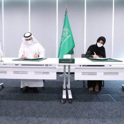 تنفيذ شبكات وتوصيلات الصرف الصحي بحي الفواز جنوب الرياض