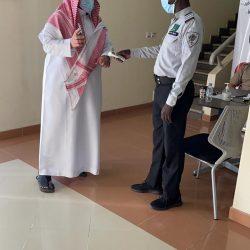 الإمارات: فحص كورونا كل 48 ساعة للموظفين غير المحصّنين