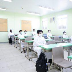 نائب وزير التعليم يتفقّد تطبيق الإجراءات الاحترازية بالمدارس