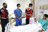 متطوعو الهلال الأحمر بجدة .. زيارة وهدايا للمرضى