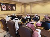 الوزير د . بنتن يلتقي بمسؤولي شؤون الزيارة والمؤسسة الأهلية للأدلاء