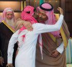 أمير الباحة .. يشيد ببسالة أبطالنا على الحد الجنوبي .. ويستقبل الجندي الغامدي