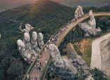 """السير فوق السحاب وأطول تلفريك بالعالم.. تعرّف على """"جسر فيتنام الذهبي"""""""