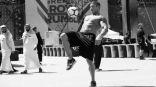 نجوم المصارعة العالميون يلعبون كرة قدم في السعودية
