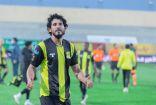 الاتحاد يحتفل بعيد ميلاد أحمد حجازي بطريقته الخاصة