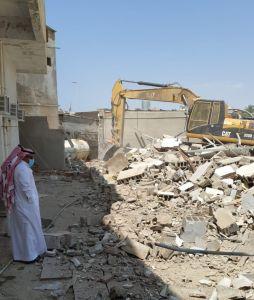 جدة .. إزالة 3 عقارات وإعادة فتح شارع بالبغدادية