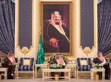 خادم الحرمين يستقبل وزير الإعلام ورؤساء الهيئات الإعلامية ومجالس إدارات وتحرير الصحف