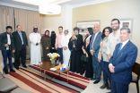 النائب الأول لرئيس مجلس ادارة الاتحاد العام للمنتجين العرب أمين عام المهرجان العربي للأعلام السياحي يلتقي بالأنبا مرقس  في الرياض