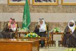الأمير خالد الفيصل يقيم مأدبة عشاء ترحيباً بنائب أمير منطقة مكة المكرمة