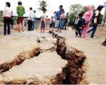 زلزالان بقوة 5 و 4.2 درجات يهزان غرب وشرق إندونيسيا