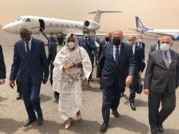 وزيرا الخارجية والري المصريان يصلان إلى الخرطوم