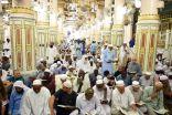 أجواء روحانية ينعم بها ضيوف الرحمن بالمسجد النبوي