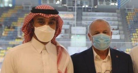 اتحاد الكرة المصري يهنئ الأمير عبد العزيز لانتخابه رئيسًا للاتحاد العربي