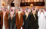 أمير الرياض بالإنابة يؤدي صلاة الميت على رئيس الأخويا بالديوان الملكي