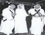 صورة تاريخية تجمع الملك فيصل مع خادم الحرمين والعاهل المغربي الحسن الثاني