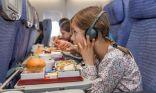 لماذا يُنصح بعدم تناول وجبات الطعام المقدمة على الطائرات؟