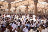 ضيوف الرحمن في مكة والمدينة يؤدون آخر جمعة من رمضان