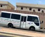 الاطاحة بقائد حافلة عكس اتجاه السير وعرّض حياة الطالبات للخطر