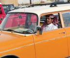 سيارة قديمة زفّت 20 عروساً في السبعينيات .. عادت لتفوز بجائزة بمهرجان السيارات