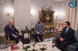 سمو ولي العهد يلتقي الرئيس الأمريكي الأسبق بل كلينتون