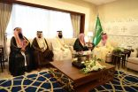 نائب أمير الشرقية يستقبل رئيس وأعضاء مجلس أمناء جائزة ماضي الهاجري للتميز
