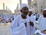 زوّار للمسجد النبوي: ما نراه هنا وسام شرف لقادة هذا البلد وأهله .. فخر وطمأنينة
