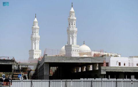 مسجد القبلتين .. ماضٍ مجيدٌ ومشروع حضاري متكامل
