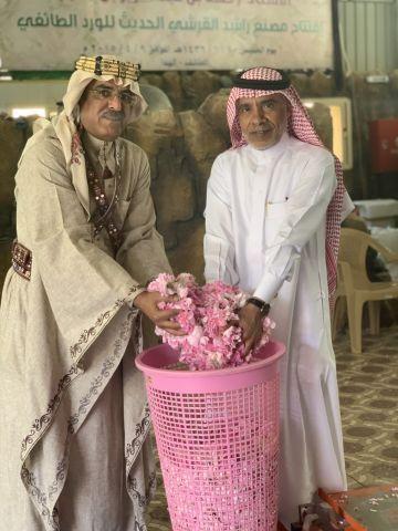 إشراق لايف في مصنع القرشي تنقل تفاصيل الورد من الزراعة إلى أيدي المستهلك