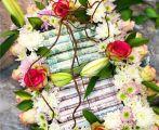 تزيين الورود بالنقود مخالفة عقوبتها تصل 5 سنوات و 10000 آلاف