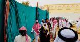 """محافظ القنفذة يتقدم جموع المصلين على جنازة الشهيد """"السلامي"""