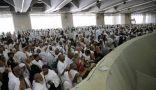 حجاج بيت الله الحرام يرمون الجمرات ثاني أيام التشريق